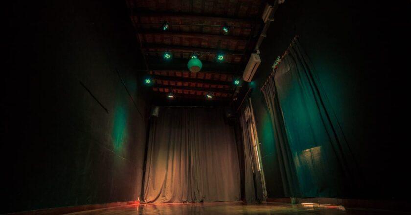 Reabre el teatro La Maza