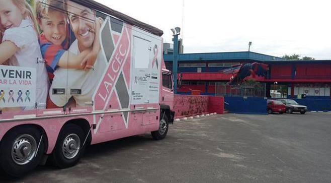 Comienza la campaña de prevención del cáncer de mama en la Ciudad Deportiva